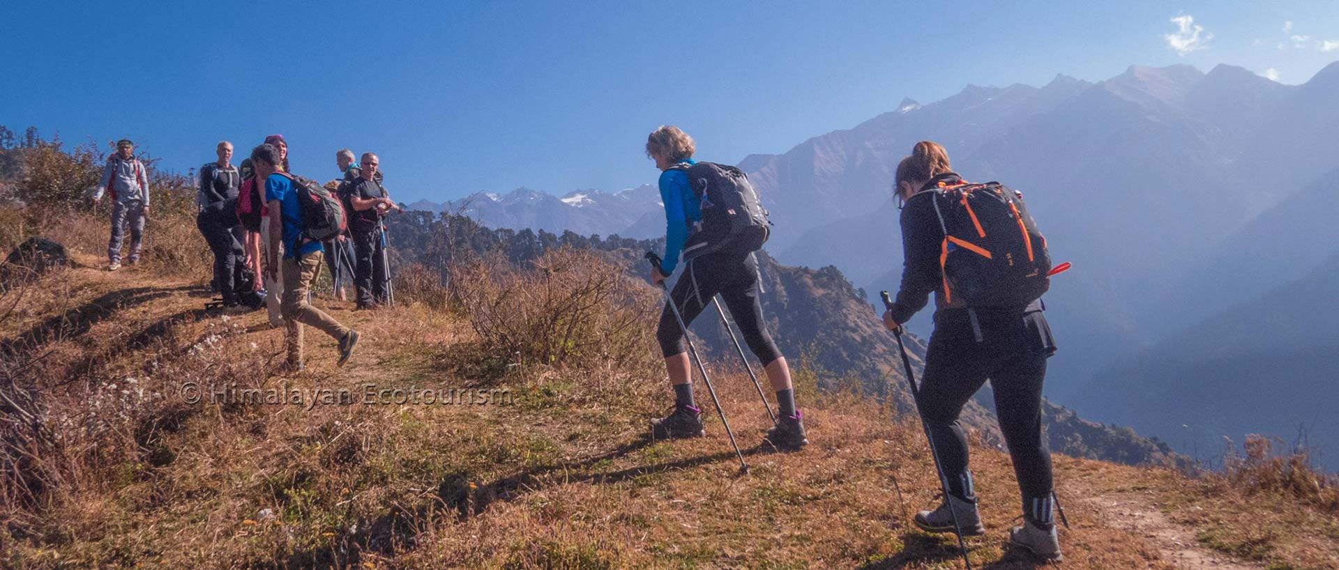 Trek in the Great Himalayan National Park GHNP - group of trekkers
