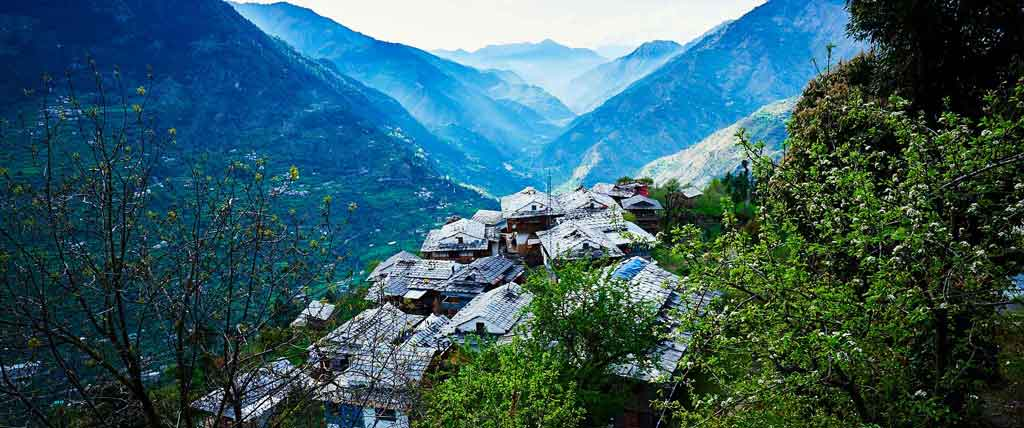 great himalayan national park photo himalayan village