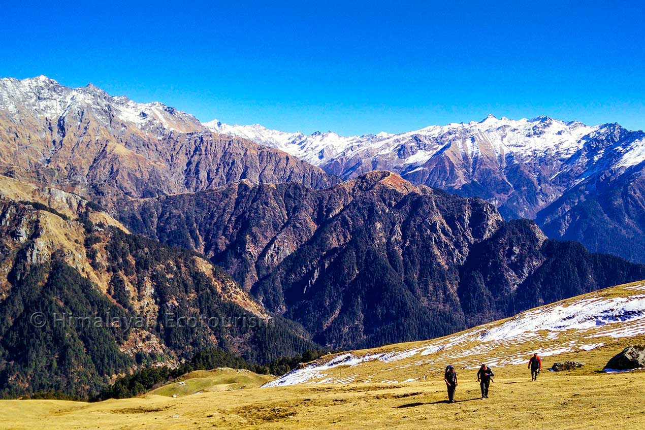 Trekking and hiking in the Great Himalayan National Park GHNP