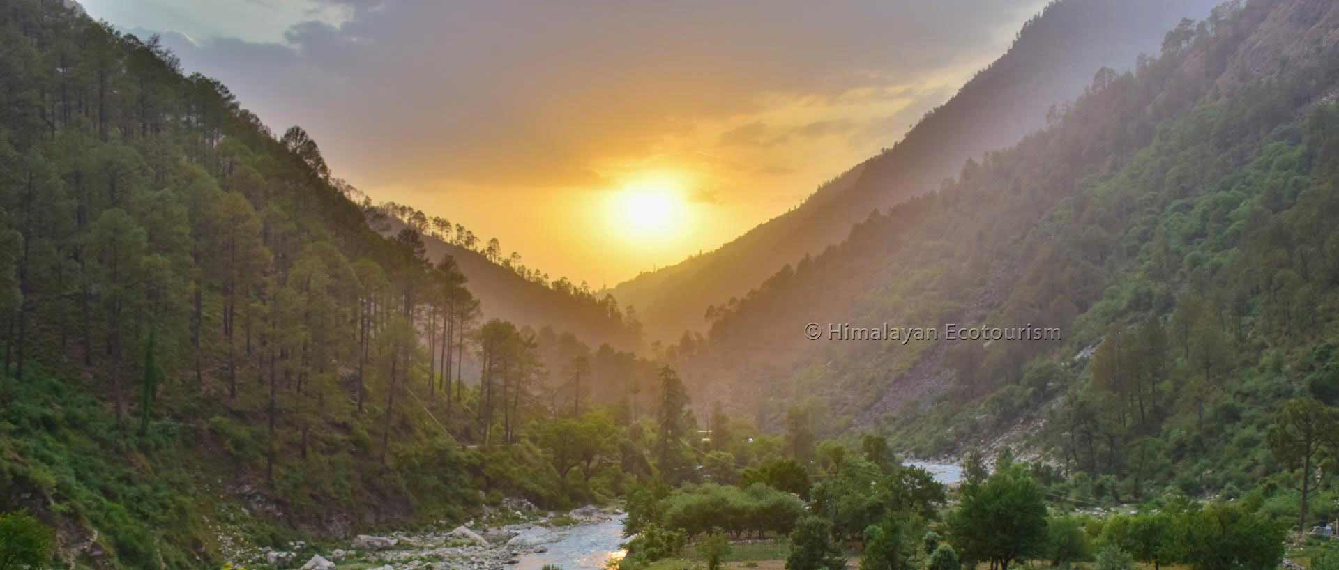 Tirthan valley photo